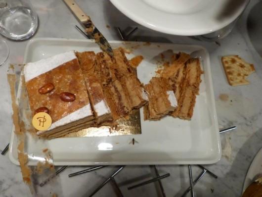 Le grand gâteau, sévèrement blessé.
